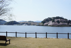 Lakeside Hotel and Restaurant Little White Flower / Kyoto Tango・Kumihama 69