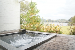 Lakeside Hotel and Restaurant Little White Flower / Kyoto Tango・Kumihama 78
